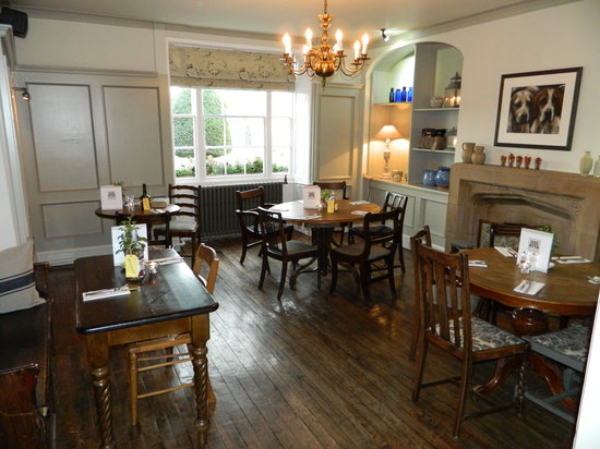 Photo of Falcon Inn Painswick