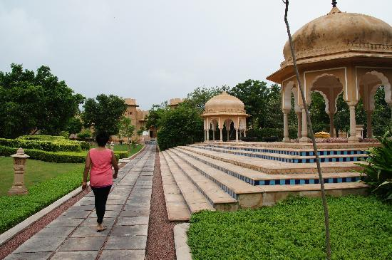 The Oberoi Rajvilas: Beautiful site