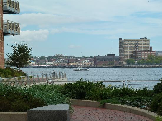 Battery Wharf Hotel, Boston Waterfront: Beautiful views!