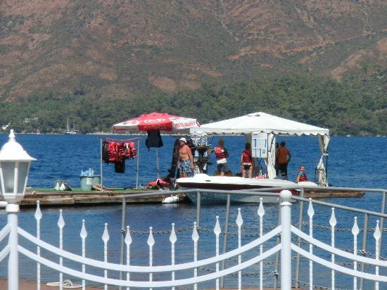 Club Adakoy Resort Hotel: Water ski pontoon