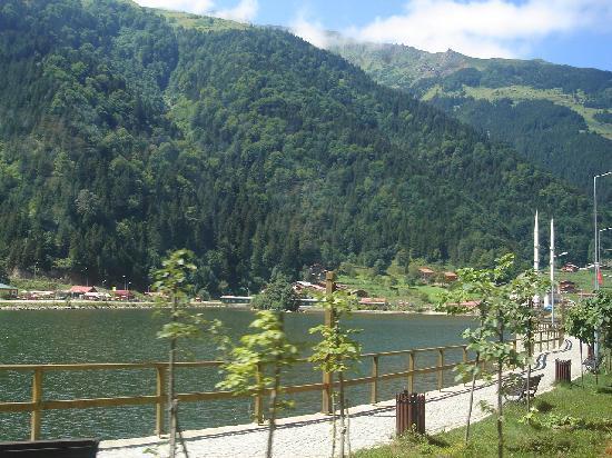 Inan Kardesler Hotel: Lake