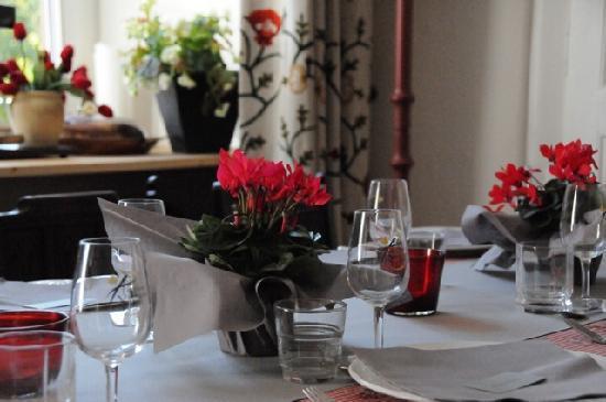 Hotel du Pillon - Relais du Silence: table restaurant