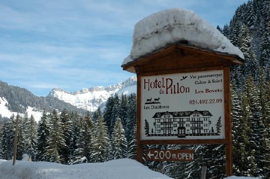 Hotel du Pillon: panneau hotel