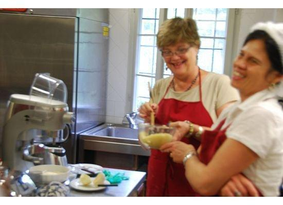 Maria's Cookery Course - Cooking School Venice: Making pizza dough with help from a friend
