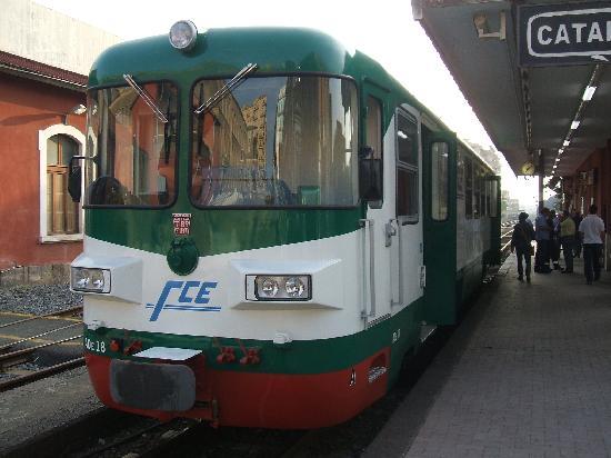 Circumetnea Railway: la littorina a Piazza Borgo Catania
