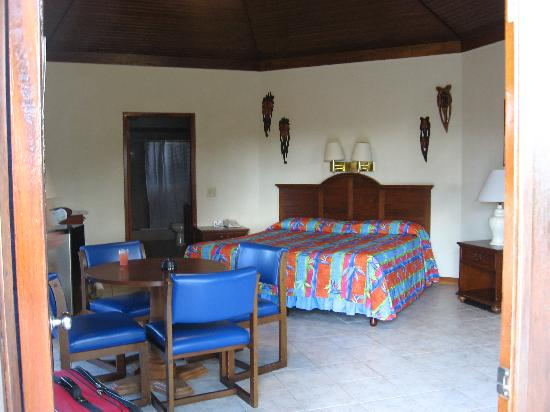 CocoLaPalm Resort: Our room