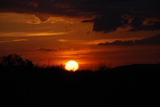 Keekorok Lodge-Sun Africa Hotels: Keekorok Sunset taking from the grounds