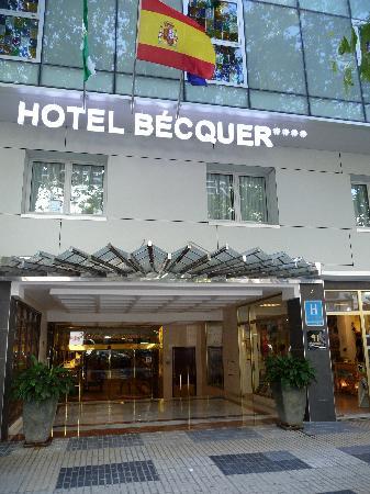 Hotel Becquer: Front Becquer