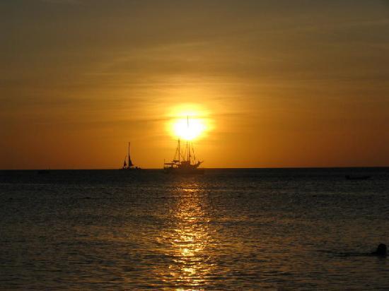Aruba Marriott Resort & Stellaris Casino: Beautiful sunsets!