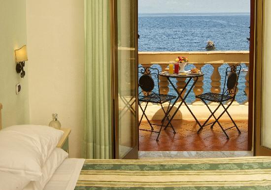 Jonic Hotel Mazzaro: camera con balcone