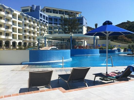 Atrium Platinum Hotel: hotel from our loungers by the pool
