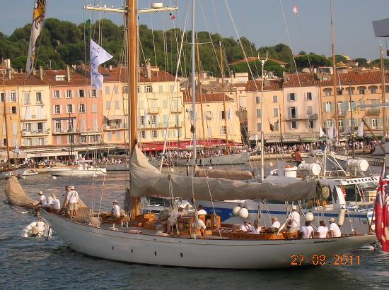 Chambres d'hotes Le Point d'Orgue: En plus de beaux voiliers...