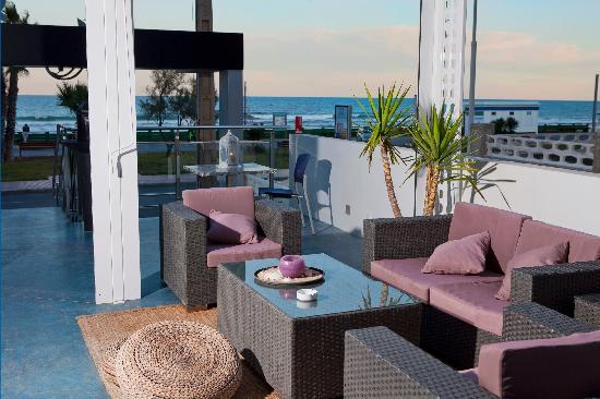 restaurante el jardin terraza chillout frente al mar