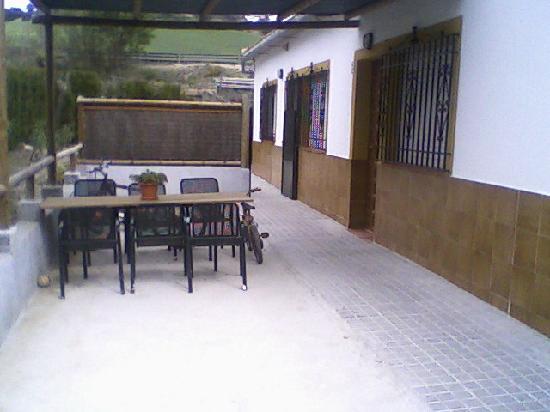Hostal Rural Venta La Vega: terraza privada