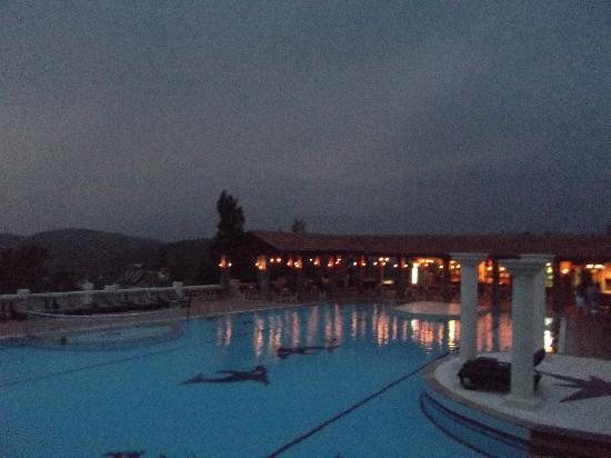 Royal Park Artemisia Club: the pool at night