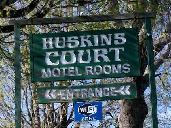 Huskins Court and Cottages: But internet is included!!