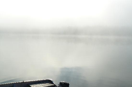 Camp Petawachuan : The mist in the morning