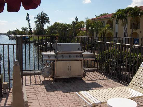 Casa Loma Motel on the Waterfront: Gas Grill