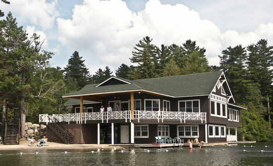 Lake Placid Club Boat House : The Boat House Restaurant - casual lakeside dining, on the shore of Mirror Lake