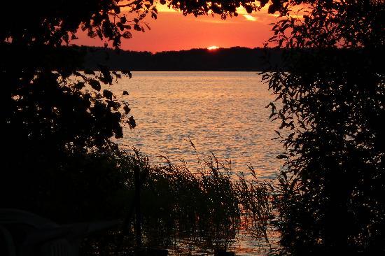 TUI BLUE Fleesensee: Sonnenuntergang am Fleesensee