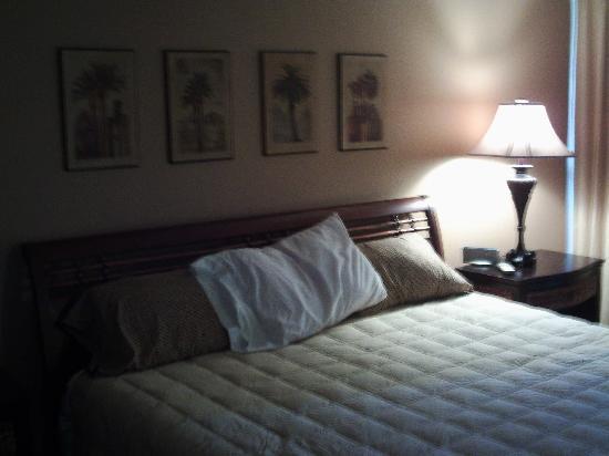 Pelican Walk Condo Resort : bed room
