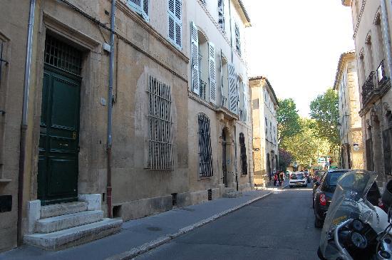 La Maison d'Aix: The Street