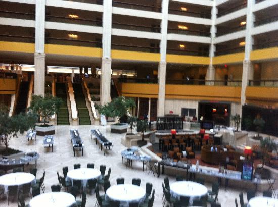 Internal Patio Picture Of Renaissance Atlanta Waverly Hotel Gicc Campus Hotels Georgia International Convention Center