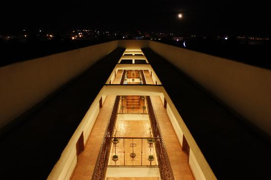 Cabo Cush Hotel: Night Time in Cabo San Lucas