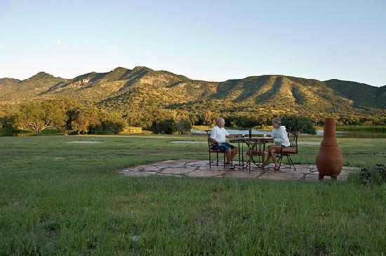 Sunglow Ranch - Arizona Guest Ranch and Resort: Happy Hour