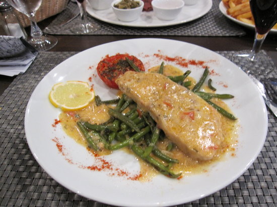 Brit Hotel Cahors - Le France: Fish Dinner
