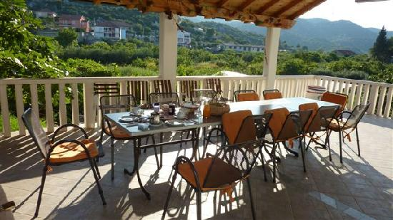 Villa Solo: Lovely breakfast and view