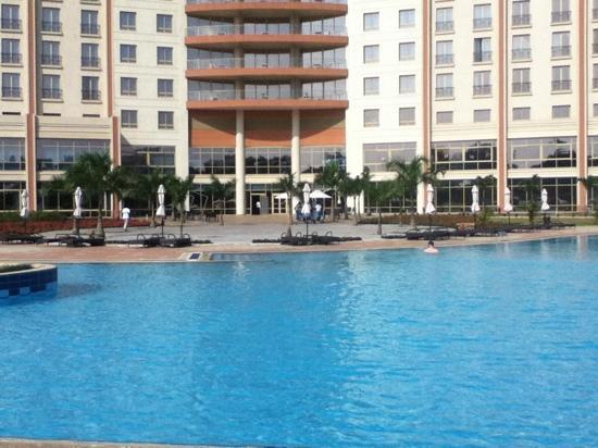Movenpick Ambador Hotel Accra Pool