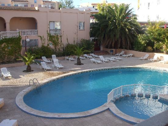 The Beach Star Ibiza: swimmyng pool