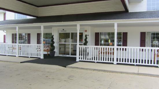 Northfield Inn, Suites & Conference Center: Entrance