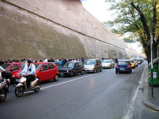 Sistine Chapel: Line to get in Museum