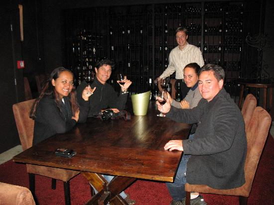 NZWINEPRO - Auckland Wine Tours : Cable Bay Subterranean Tasting Room