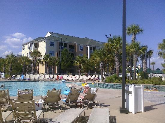 Sheraton Broadway Plantation Resort Villas: View of the pool deck