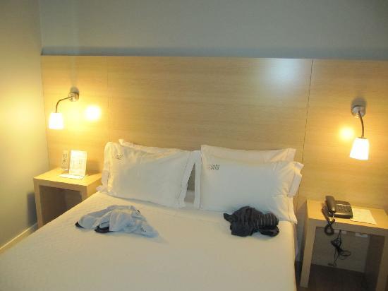Cliphotel Gaia Porto: Schmales Bett