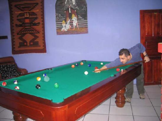 Hostal Transilvania: Pool Table