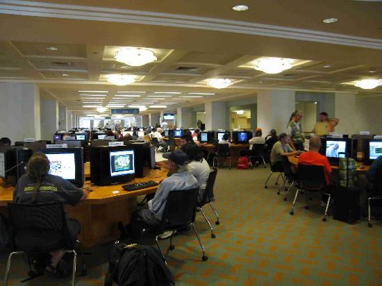 Denver Public Library: Public comptuers