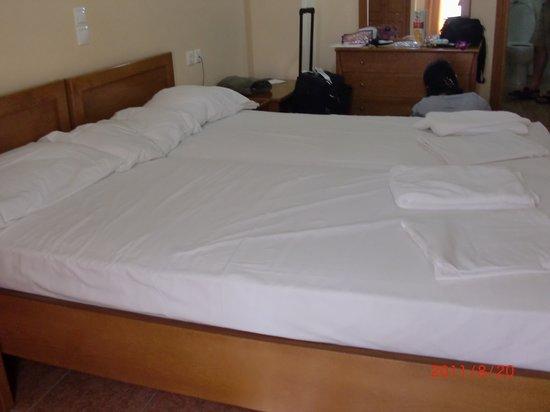Faros II Hotel : ROOM
