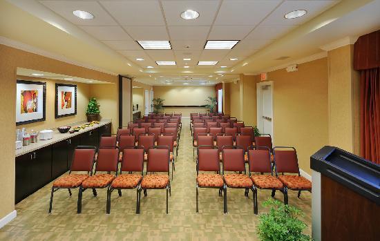 Hampton Inn & Suites Scottsboro: Meeting & Conference Room