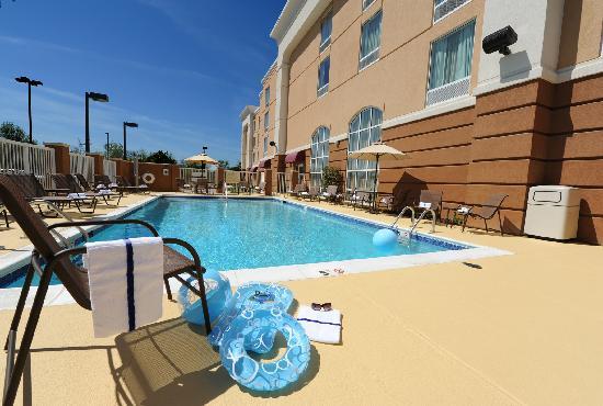 Hampton Inn Suites Scottsboro Alabama Hotel Outdoor Swimming Pool