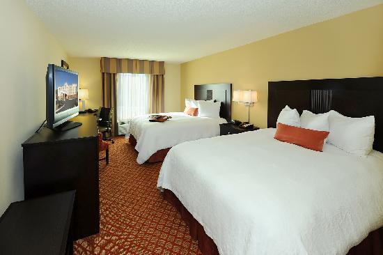 Hampton Inn & Suites Scottsboro: Hotel Guest Room