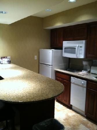 Comfort Suites Park Place: kitchen