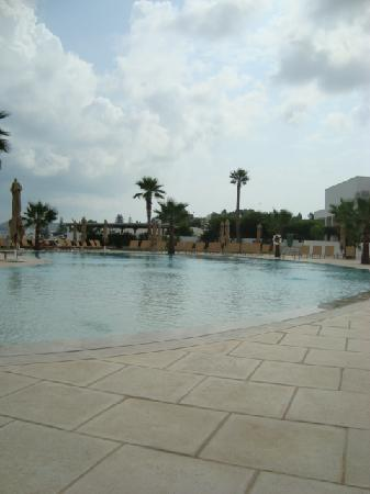 Mövenpick Hotel Gammarth Tunis : Pool Side