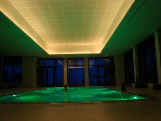 Mövenpick Hotel Gammarth Tunis: Indoor Pool