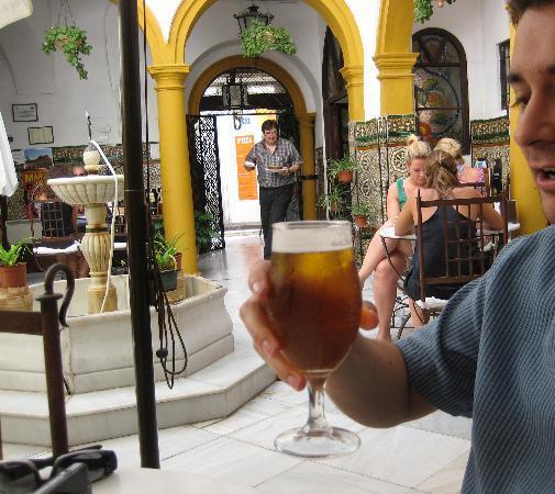 Los Deanes : Friendly server, a bit touristy, great patio