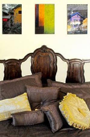 Ecoasis Sustainable Living Center Lodging & Mercantile: The Gold Suite