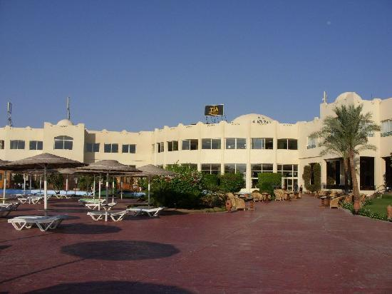 Tia Heights Makadi Bay: The main building from the pool